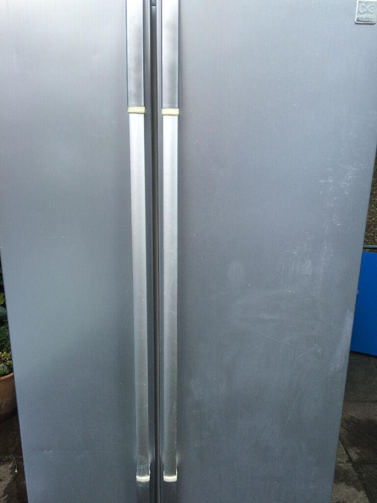 Fridge Freezer American Style In Silver (Daewoo 90cm FRSU20IAI ...