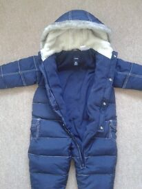 Baby GAP All in One Snow Suit Snowsuit 6-12 months Excellent Condition As New