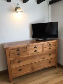Solid oak 'Mark Webster' (Lynx range) large rustic chest of 8 drawers (FREE Delivery)