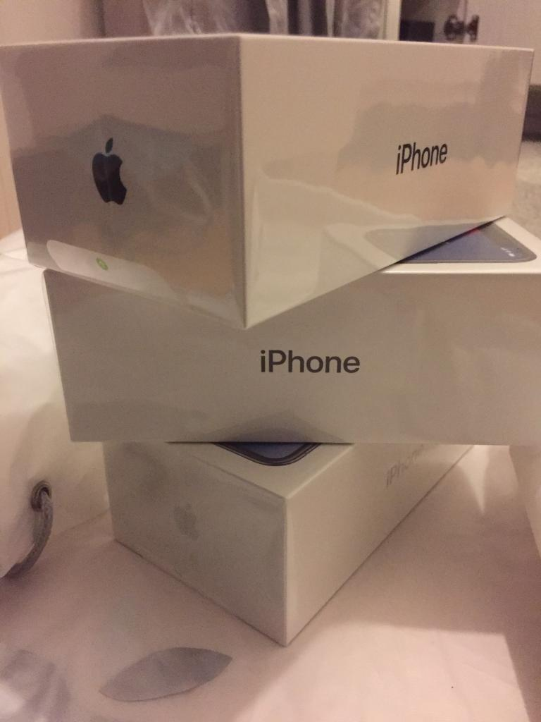 iPhone X 256GB Silver/Space Grey From Apple With Receipt