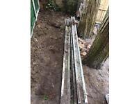 4x 8ft concrete Fence fence posts/2x concrete boards