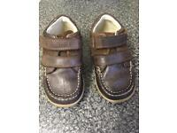 Clarks toddler shoes size 6G