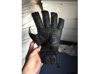 One glove goalkeeper brand. Stealth size 10