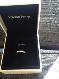 Brand new never been worn size N 9ct White gold and diamond ring