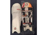 Mens Hunts County Cricket Pads