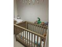 Mamas and Papas Metropolis Cot/Toddler bed