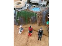 Thunderbirds Tracey Island, 6 figures and boxed rescue pack