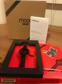 BRAND NEW UNUSED FITNESS TRACKER : Moov Now-