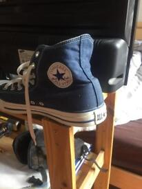 Converse all star chuck Taylor size 11 mint condition.