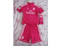Adidas RM Football Kit boxed worn once age 11-12 years, excellent condition, like brand new