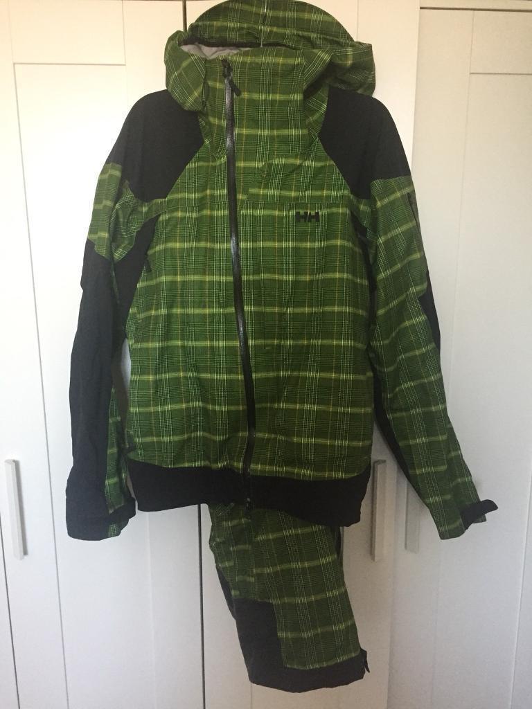 0088b0e37da3 Helly Hansen green snowboard outfit. Aldershot