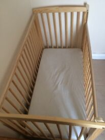 Cot and mattress - Great condition!