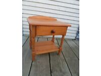 Pine bedside table with one drawer and one shelf
