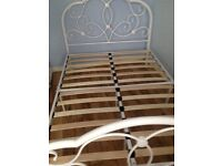 Metal frame 4ft double bed excellent condition