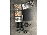 Sony PS3 Excellent condition, 2 Pads, 5 Games