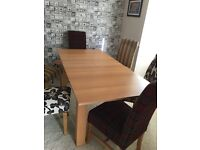 Extendable dining table NO CHAIRS