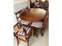 Dining Table, 4 chairs & 2 carvers