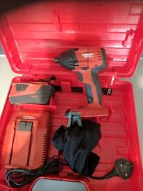 HILTI 22 VOLT IMPACT DRIVER, 1 NO 3.3 AMP BATTERY, CHARGER AND CASE