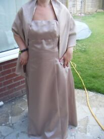 NICE DEBENHAM OUTFIT-DEBUT-SIZE18-GOLD-WITH MATCHING SHAWL-OFFERS CONSIDERED