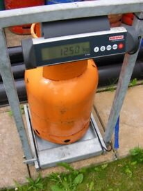 EMPTY INA PROPANE GAS ORANGE BOTTLE DONOR SMALL STOVE PROJECT ? COLLECT PINXTON