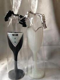 Bride & Groom Glittered Champagne Glasses/Flutes