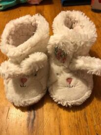Infant slippers size 4