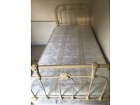 Single bed in cast iron with mattress