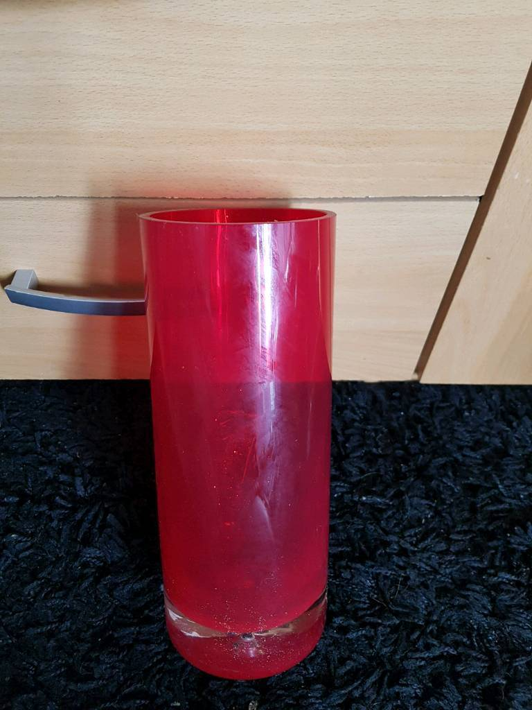 Red Eternalle vase