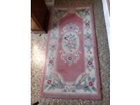 Rug in pink design