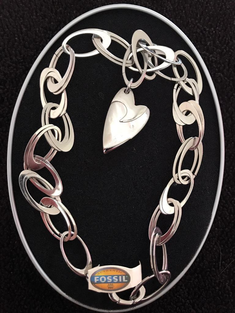 Fossil ladies limited edition necklace (never worn)