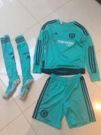 Chelsea goalkeeper kit age 11-12