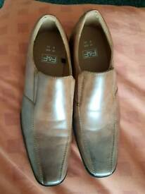 brand new.a relly good pair of shoes