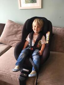 Maxi Cosi 2way Pearl car seat and isofix base