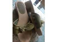 Clarks ladies slip on shoes size 5 1/2