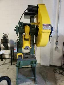 Punch press / poinconneuse Niagara 22 ton