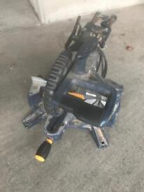 Sliding compound mitre saw