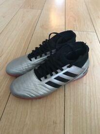 Adidas silver predators sock boots size 4