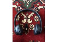 Wireless foldable headphone