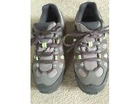 Salomon Gortex Walking Shoes Size 4