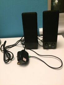 *BARGAIN* HOUSE CLEARENCE - like NEW TESCO 2 SPEAKERS with cabel out for MP3 or laptop