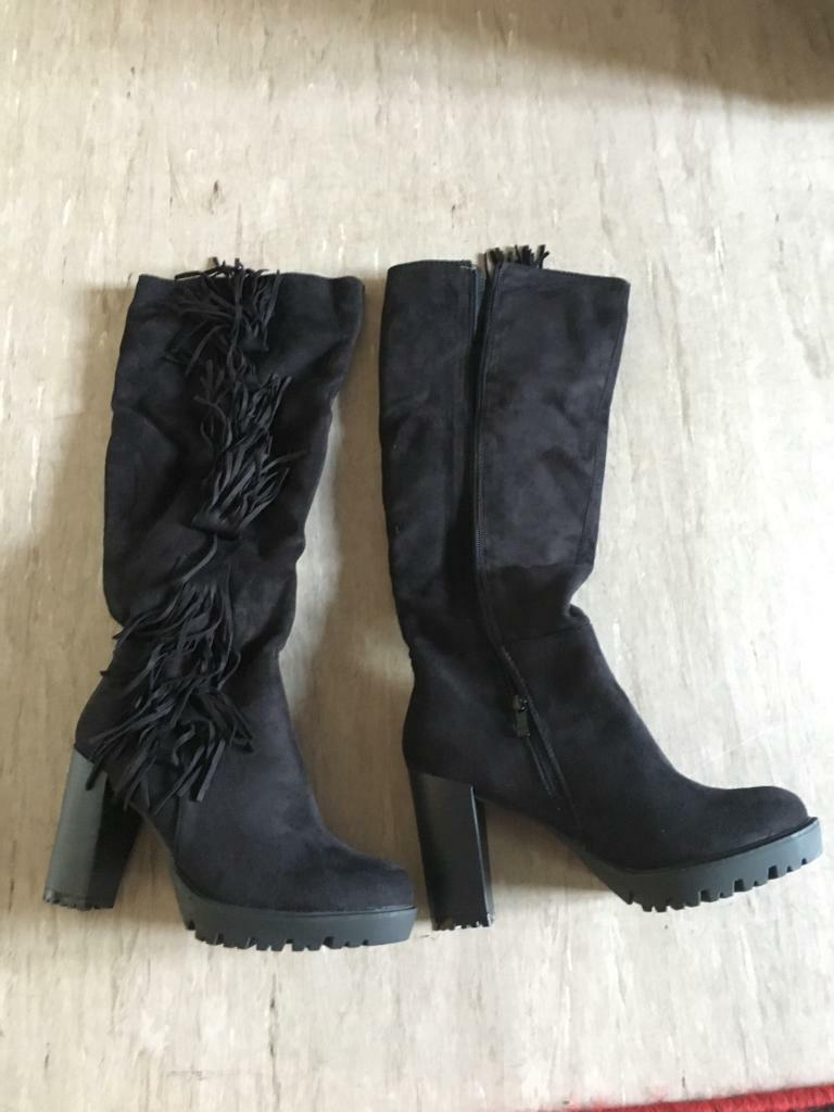 Brand new with box ladies. Boots size 6