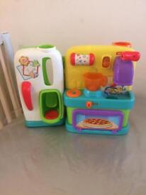 Girls small toys(kitchen,castle)