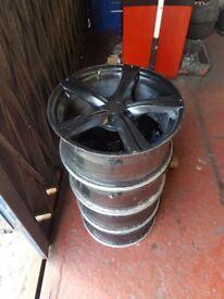 17inch alloy wheels. No tyres.