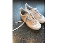 Adidas gazelle size 12 kids