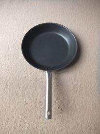 ( New ) Ikea 365 frying pan 28 cm