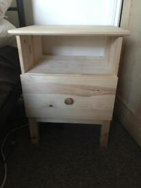 2 Bedside lockers for sale