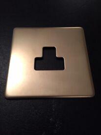 Varilight 1 gang 5amp round pin socket plate, screwless slim-line clip-on, NEW