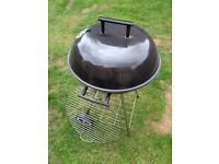Small BBQ - hardly used - good condition