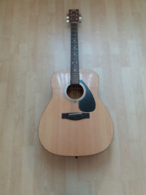 YAMAHA F310 Acoustic guitar like new £70 only !