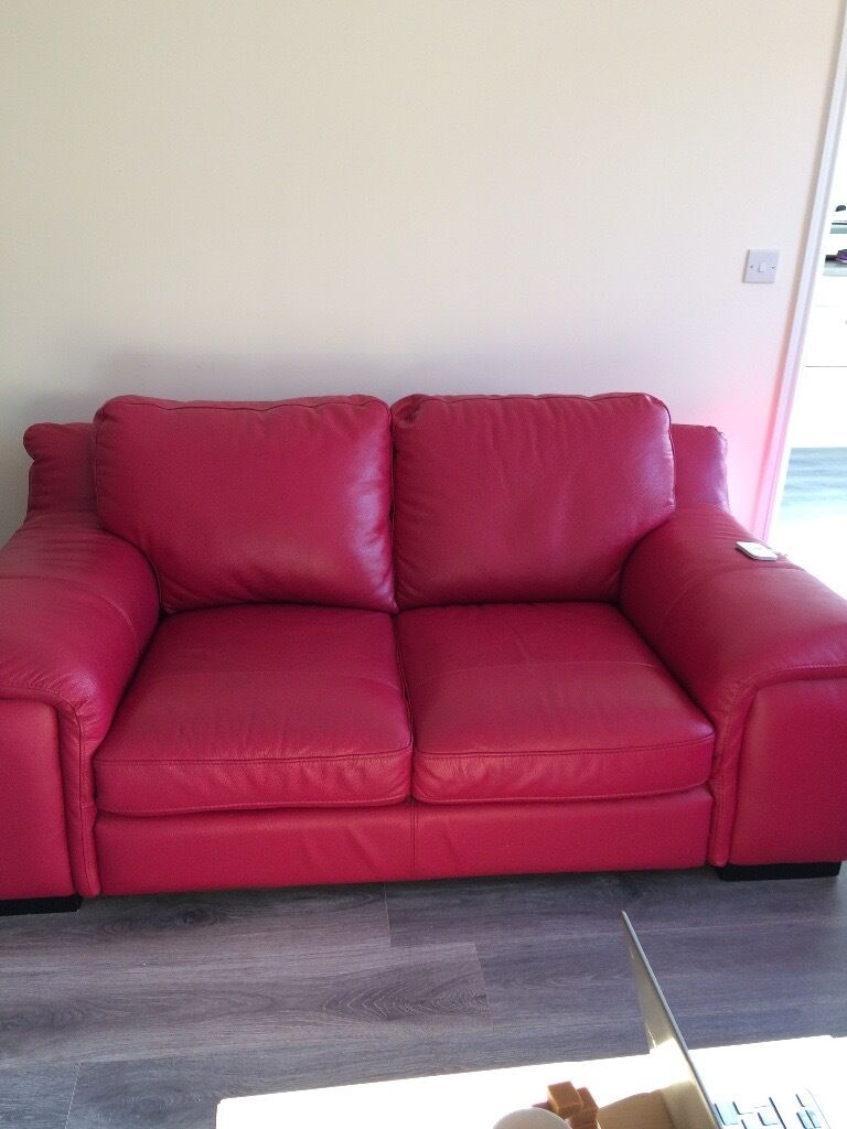 HOT PINK LEATHER SOFA 3seater and two seater in Glasgow